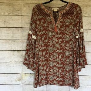 FLYING TOMATO FLORAL TUNIC.  PERFECT FOR FALL